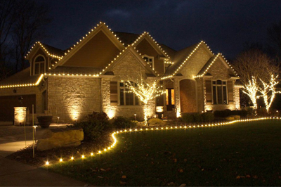 Holiday lighting at a commercial property in Alton, IL.